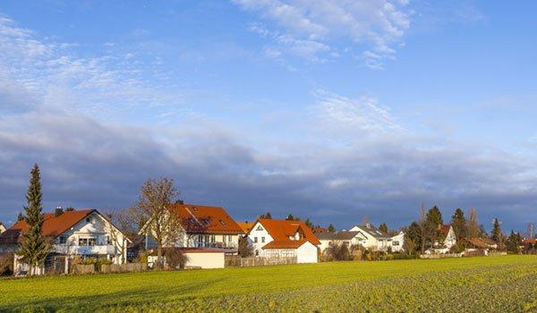 Mehrfamilienhäuser im Münchener Randgebiet